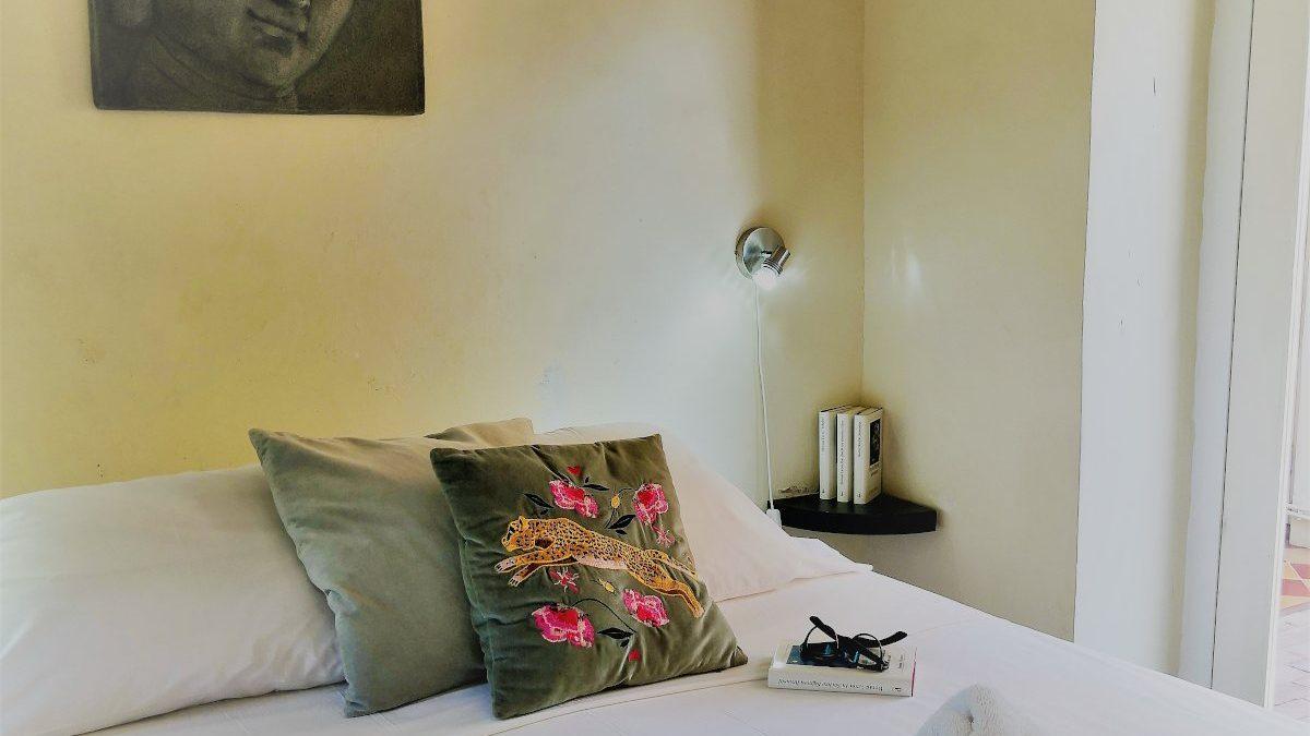 GR bed detail2